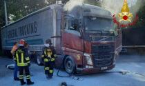 Incendio a Rosà: in fiamme la cabina di un autoarticolato