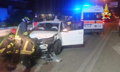 Le immagini dello scontro tra auto a Chiampo, due feriti