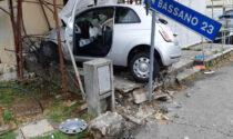 Malore alla guida, anziano sfonda impalcatura a Thiene