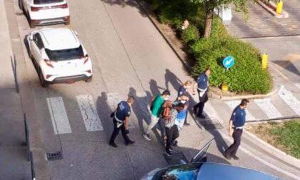 Polizia arresta pusher a Campo Marzo tra gli applausi dei cittadini