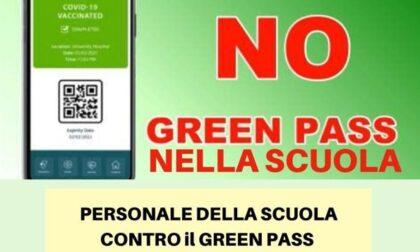 """Insegnanti no Green pass sulle barricate: """"Serve solo a discriminare"""""""
