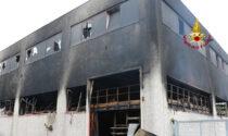 Vicenza, l'impressionante video dei danni al capannone di biciclette bruciato nella notte