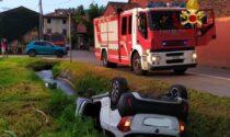 Incidente a Rosà, due anziani feriti nell'auto finita capovolta nel fossato