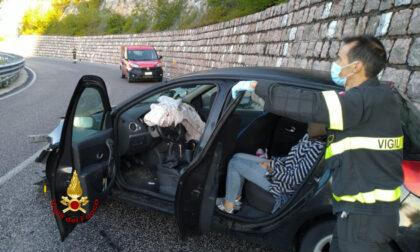 Roana, giovane donna ferita dopo aver perso il controllo dell'auto
