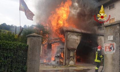 Grave incendio a Montebello Vicentino, una donna intossicata dal fumo